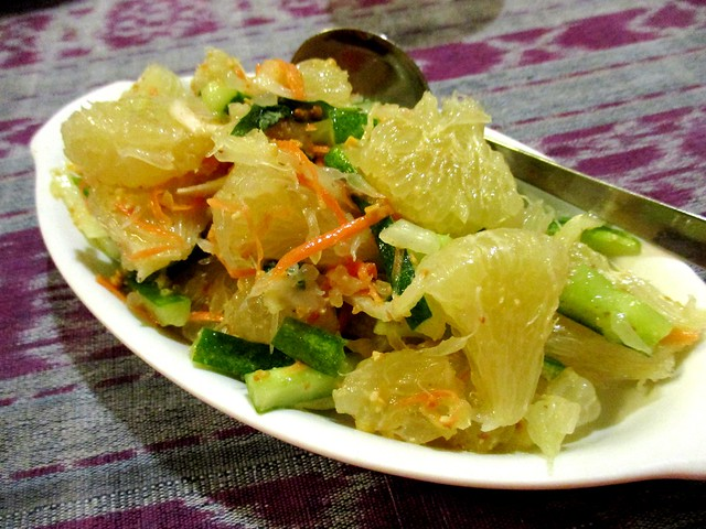Payung Cafe pomelo salad