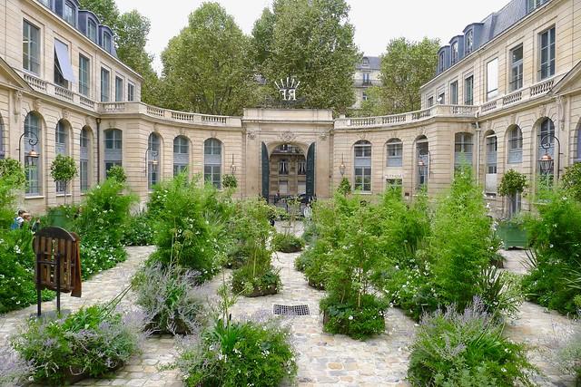 Le Ministère de l'Environnement, près des Hôtels Paris Rive Gauche - réservez sur notre site web pour le meilleur tarif garanti !