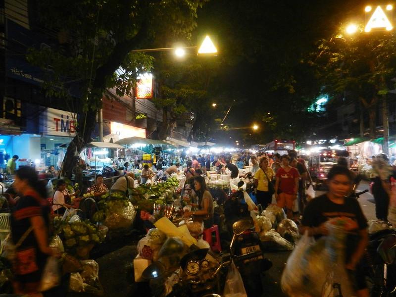 Бангкок, цветы продают