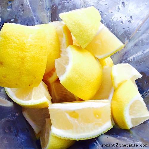 Homemade Lemonade I Sprint2theTable.com