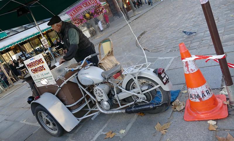 """Vu dans la rue Peugeot Triporteur 1956 """"chauds les marrons"""" 31097316695_fdcc2458b4_c"""