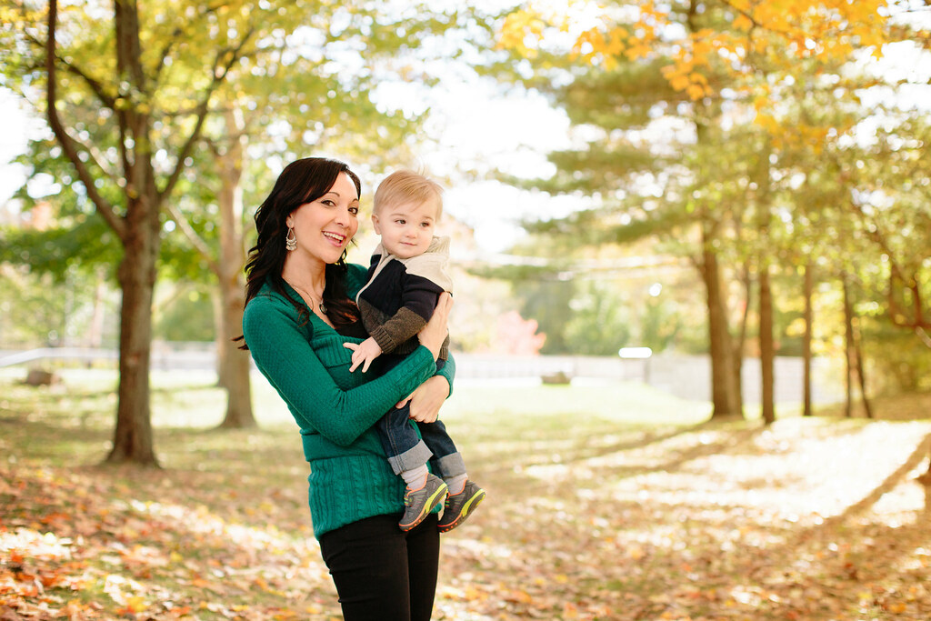fall family portrait photographer Buffalo Lockport Amherst