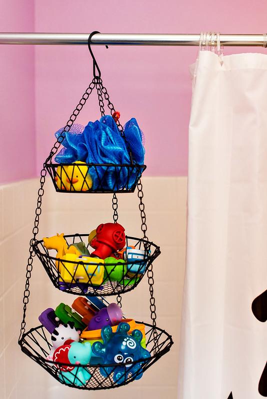 hanging fruit basket for bath toy storage #CraftedExperience