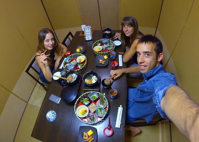 Desayuno japonés que nos pusieron en el Ryokan de Hakone