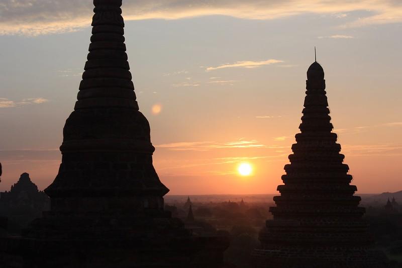 рассвет в Багане Мьянма