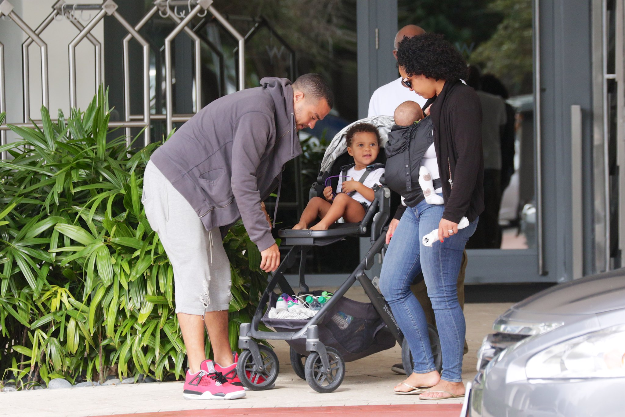 R Kelly And His Wife And Kids Jesse Williams and fam...