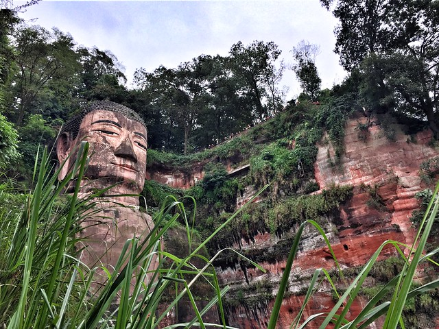 Efiguie del Buda de Leshan (Sichuan, China)