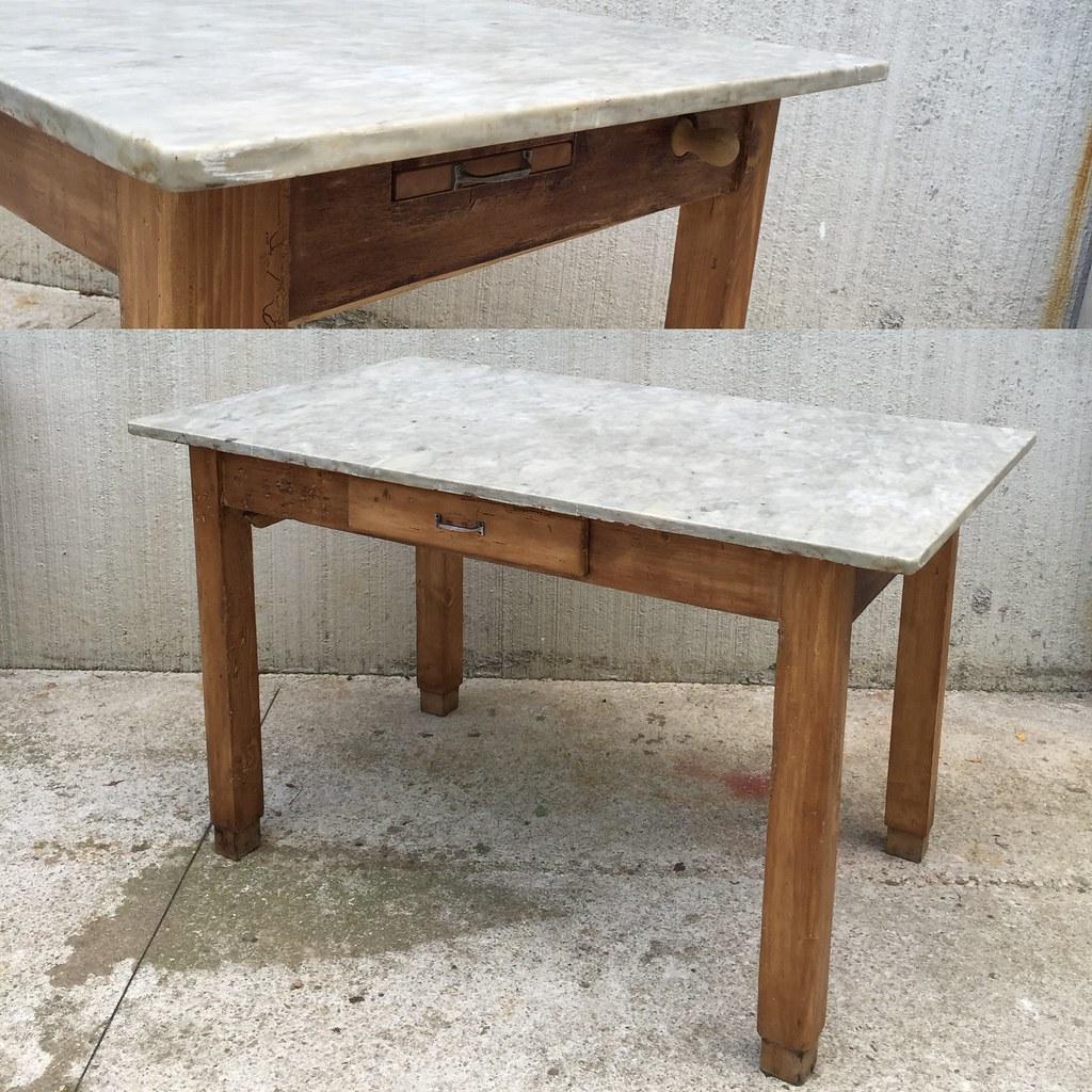 Vecchio tavolo anni 39 50 legno e piano in marmo 350 for Tavolo legno vecchio cucina