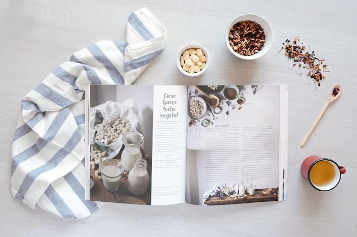 Mooi Magazine 0 by Rubirroja