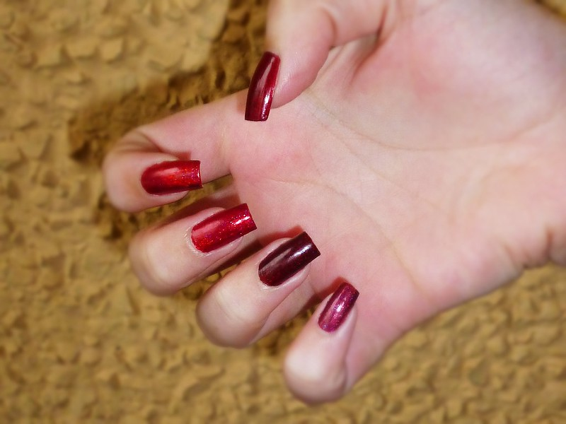 Colors by Llarowe red holos