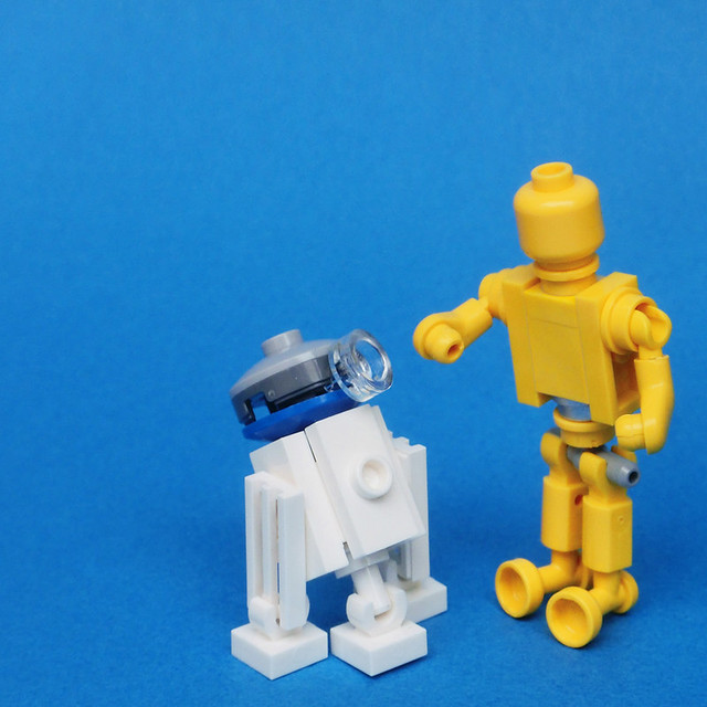 R2-D2 & C-3PO (Micro scale), by umamen, on Flickr