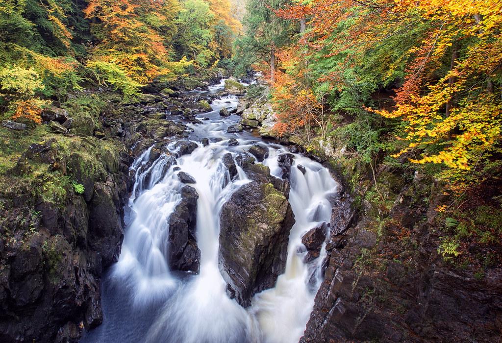 black river falls black personals Black river falls (hoocąk: nįoxawanį) és una població dels estats units a l'estat de wisconsin segons el cens del 2000 tenia una població de 3618 habitants.
