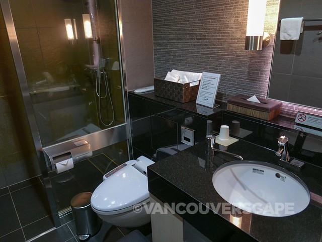 ANA Premium Economy-Haneda Lounge-12