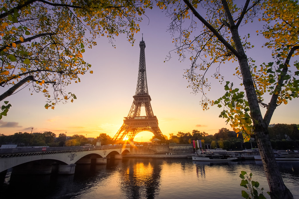good morning paris autumn in paris sunrise on the eiffel flickr. Black Bedroom Furniture Sets. Home Design Ideas