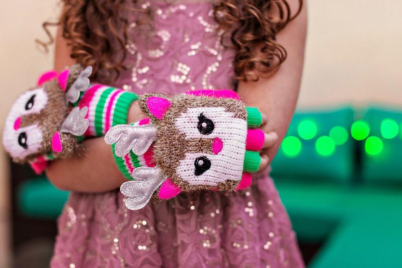 tween reindeer gloves