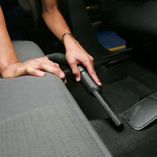 aspirador de pó no carro
