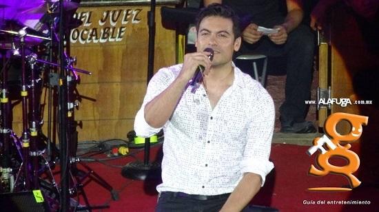 Carlos Rivera - Palenque Fiestas De Octubre 2016 - Guadalajara, Jalisco, México. (20 - Oct - 2016)