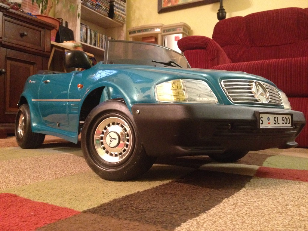 Mercedes benz 500sl pedal car by toys toys 1999 for Mercedes benz pedal car