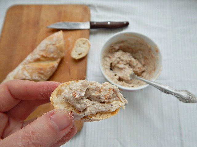 Бутерброды с сардинами из Книги о вкусной и здоровой пище. Фотодемонстрация рецепта. | HoroshoGromko.ru