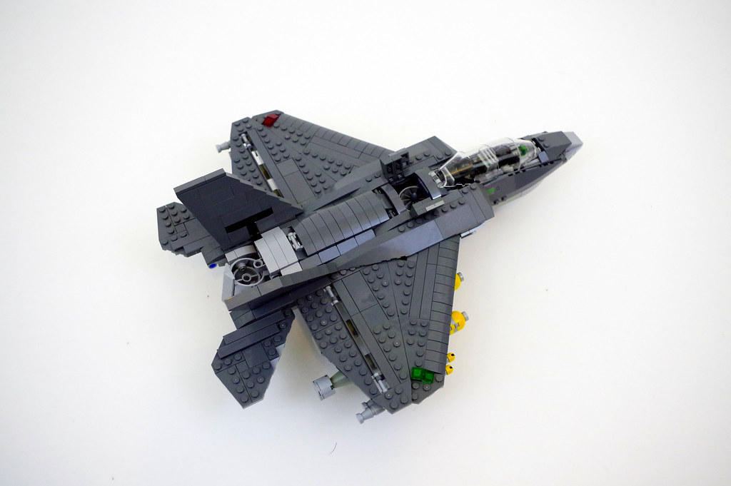 Short takeoff/vertical landing mode - LEGO F-35B Lightning… | Flickr