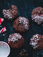 http://call-me-cupcake.blogspot.se/2013/11/candy-cane-chocolate-cookies.html#.Vb3YFla7Ihc