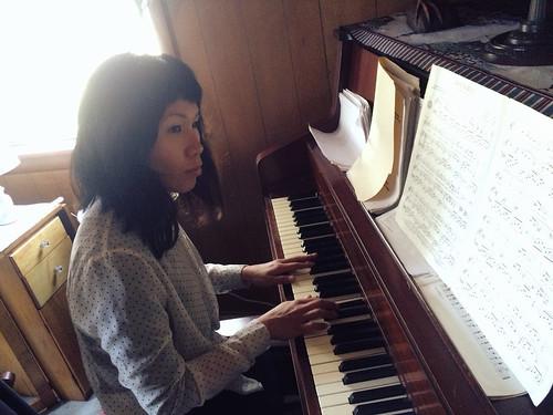 Ana Playing the Piano (Nov 26 2015) (2)