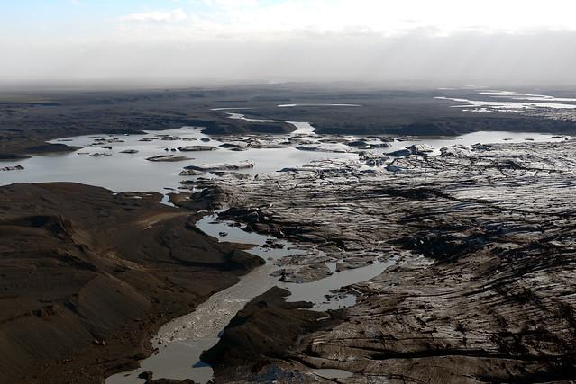 Paisajes de Islandia desde el cielo en avioneta
