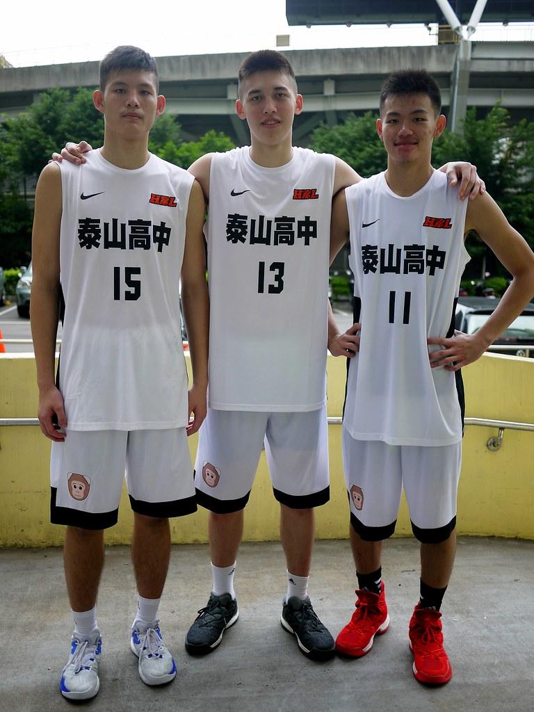 泰山3塔尤楚翔、譚傑龍與韓杰諭(由左至右)。(倪芝蓉/攝)