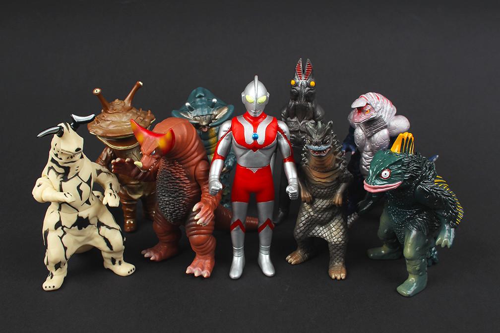Ultraman - Bandai 'Play Hero' Mini Vinyl Figures   Capsule ...