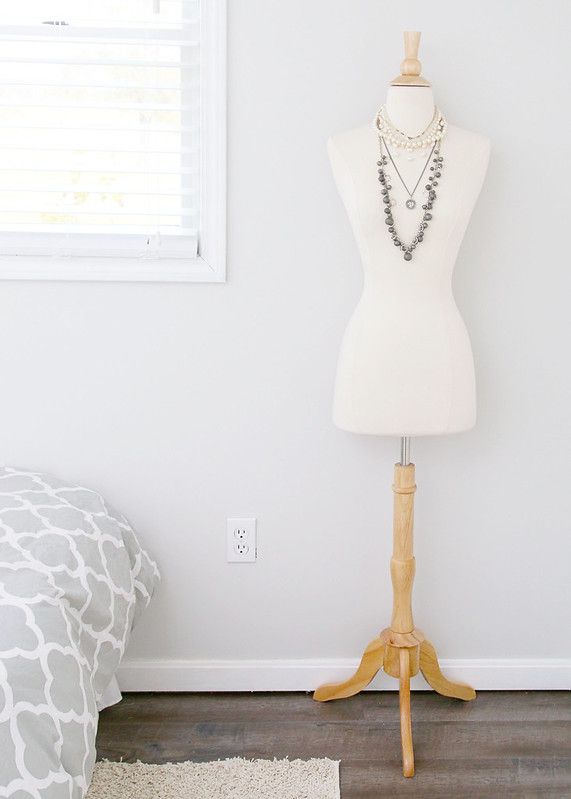 Tween Bedroom Neutral Dressform