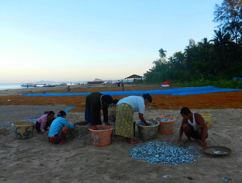 Мьянма жизнь на море