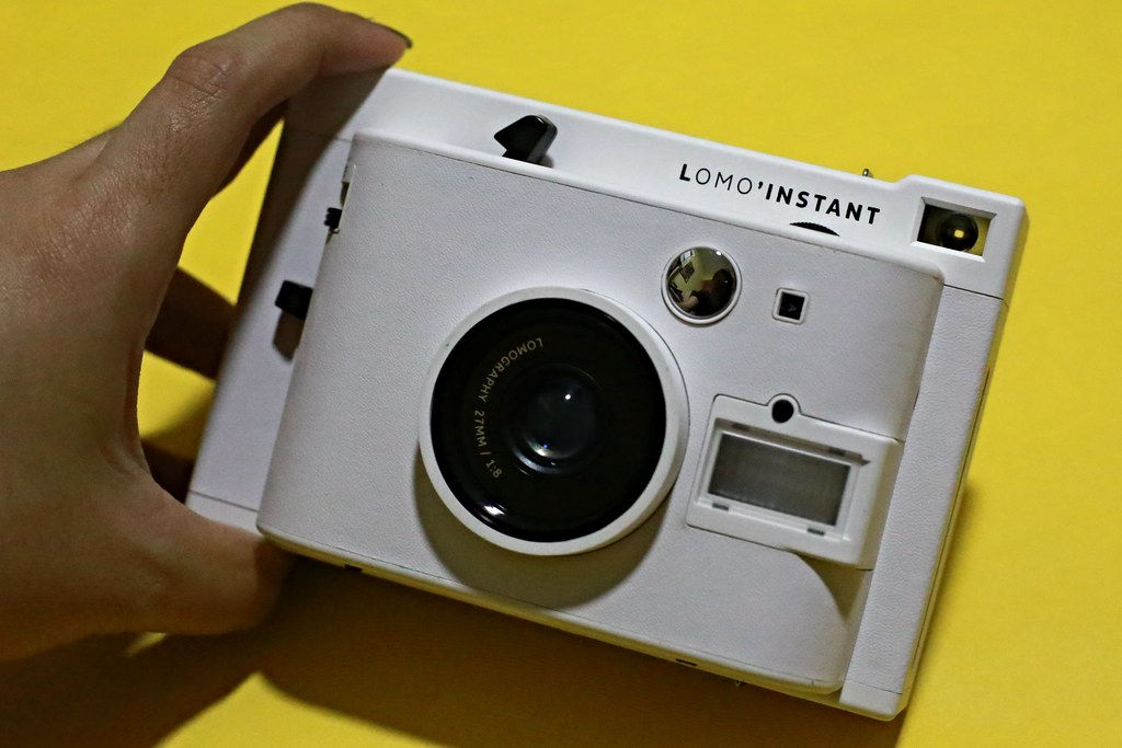 Lomo'Instant White Camera Review + Giveaway