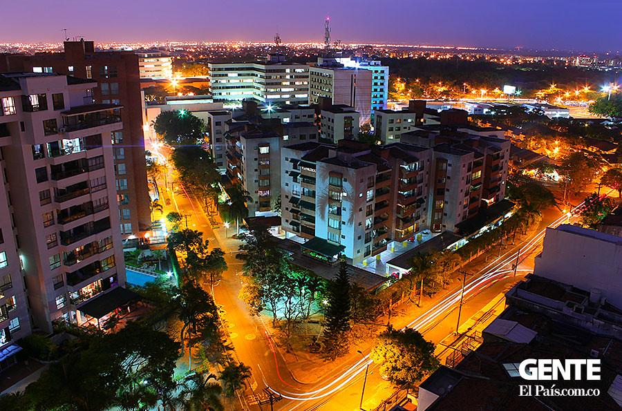 Santiago de cali sus mejores fotos nocturnas for Bares ciudad jardin cali