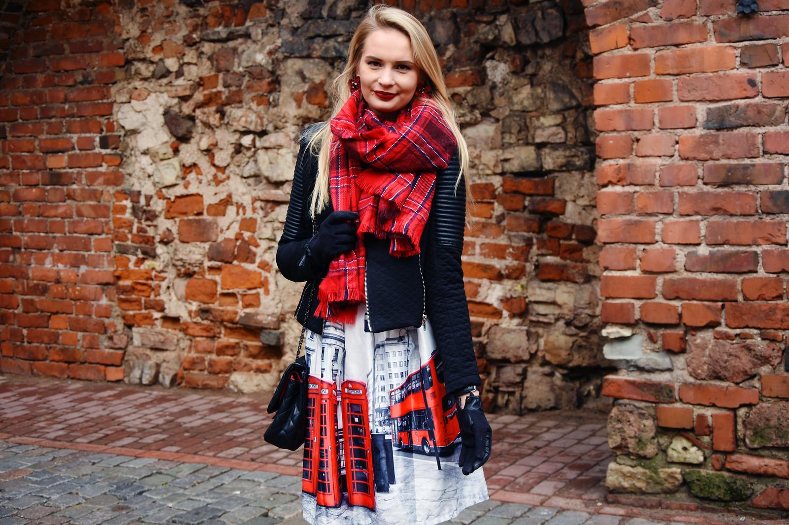 Styling a tartan scarf