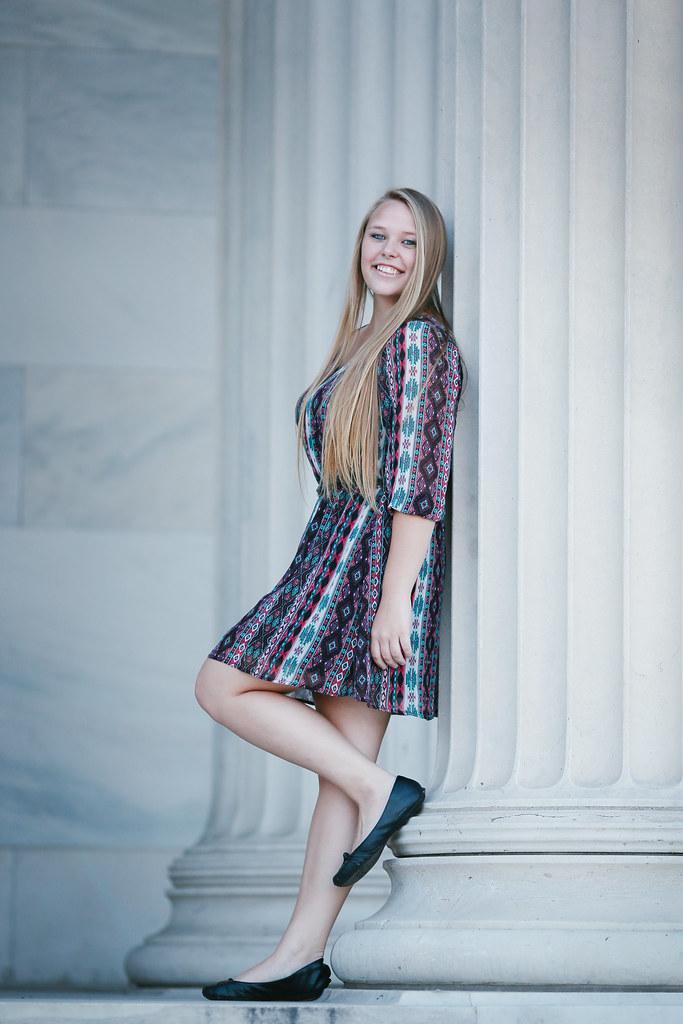 senior girl portrait Buffalo Easy photography studio