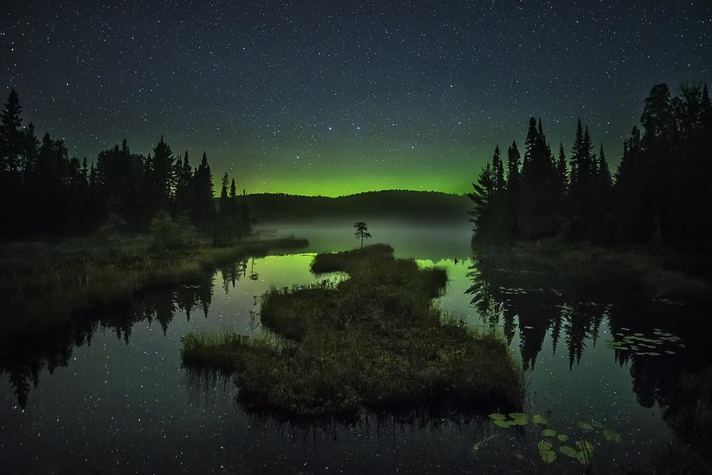 minnesota northern lights stars night sky lake