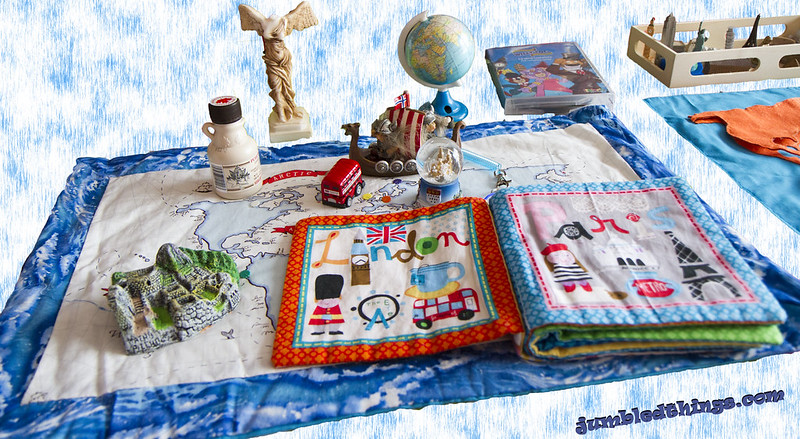 Around the world figures & soft-book