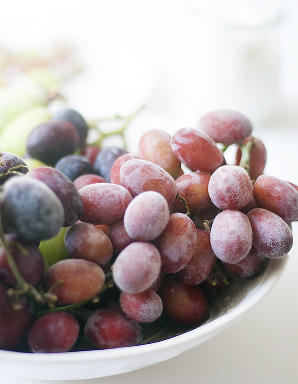 frozen #GrapesFromCA make the perfect anytime snack