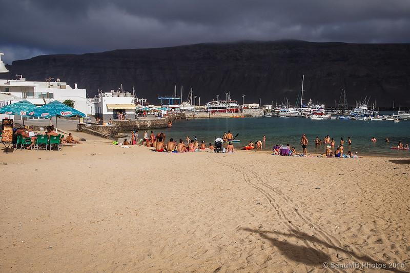 La playa de Caleta al atardecer