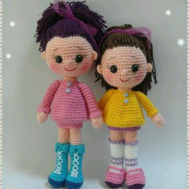 Кукла вязанная из крючков