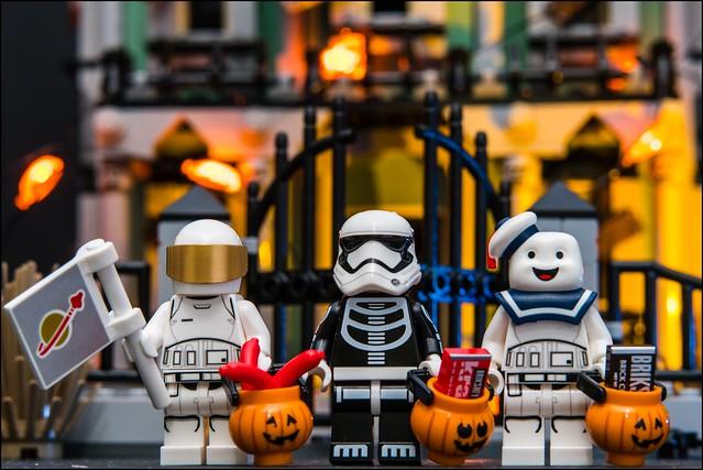 """Happy Halloween!"" #LEGO"