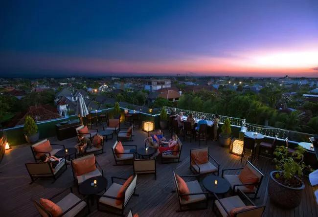 13-Luna-rooftop-bar