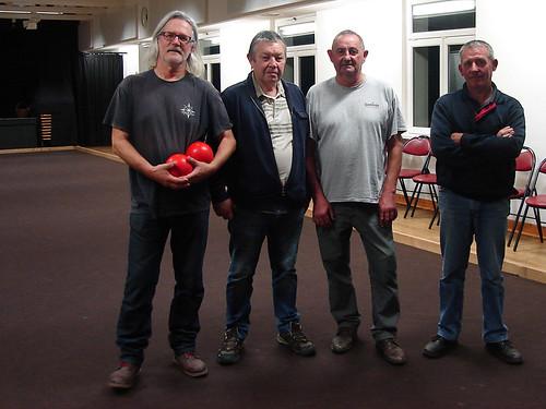 11/11/2015 - Saint Jean du doigt : Les finalistes du concours de boules plombées en doublettes formées