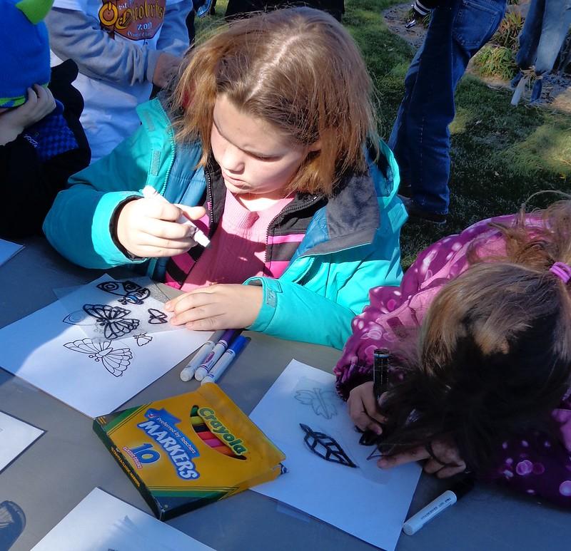 image: girls coloring