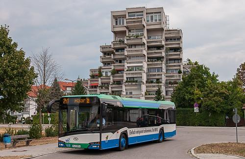 Der neue Urbino erreicht die Haltestelle Brennerei (Putzbrunn)