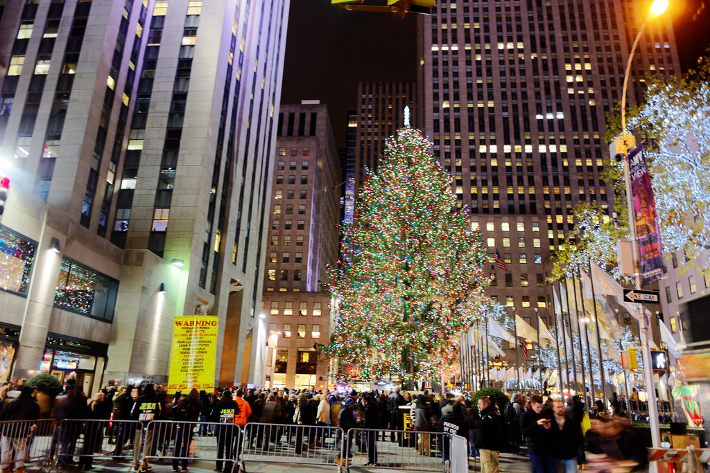 Rockefeller Center Christmas Tree 2016 | The Rockefeller ...