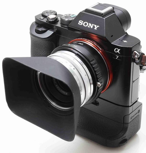 二手鏡頭 香港 . . . Contarex  21-35mm專用     插刀接口   方型金屬遮光罩