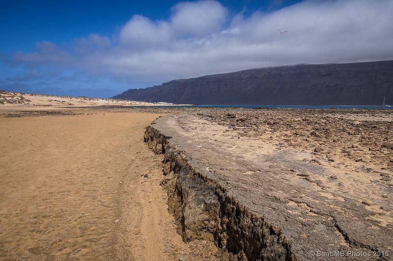 Mirando hacia Caleta de Sebo desde la Baja de la Peña
