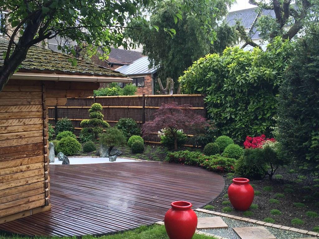 jardin japonais rouge vue terrasse et jardin conception. Black Bedroom Furniture Sets. Home Design Ideas