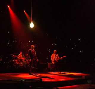 U2 i Paris, 7 december 2015 (foto: U2start, Creative Commons)